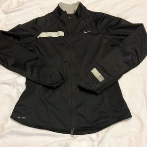 Nike Shield Lightweight Running Jacket